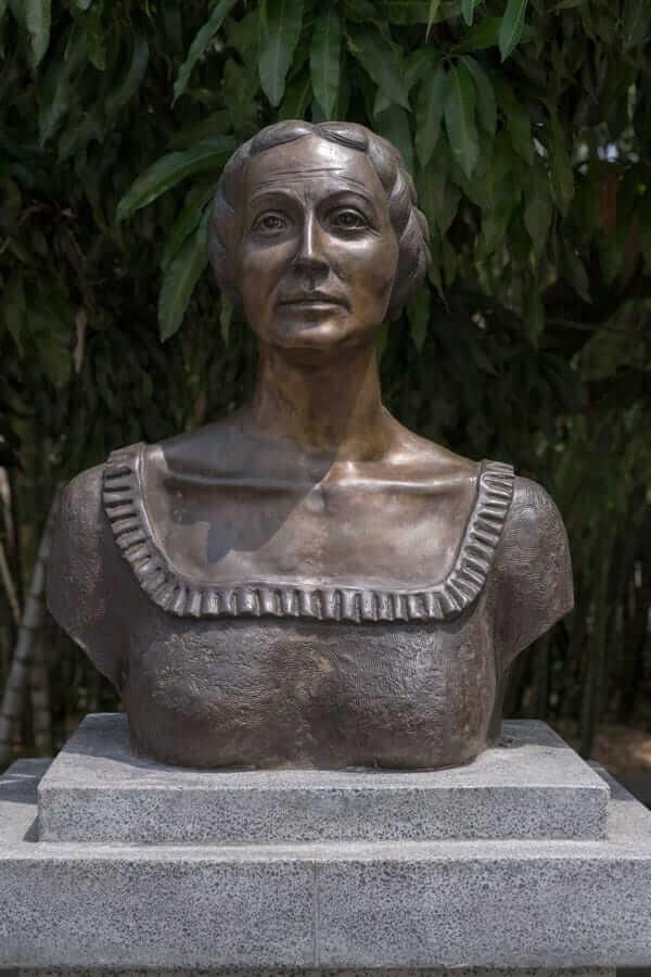 Escultura María Centeno - Medellín