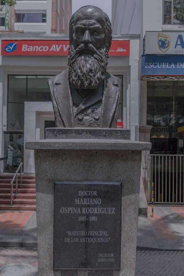 Escultura Mariano Ospina Rodríguez en Medellín